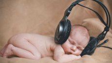 Does music help baby brain development?